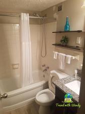 Bathroom - Unique Stylish Apt