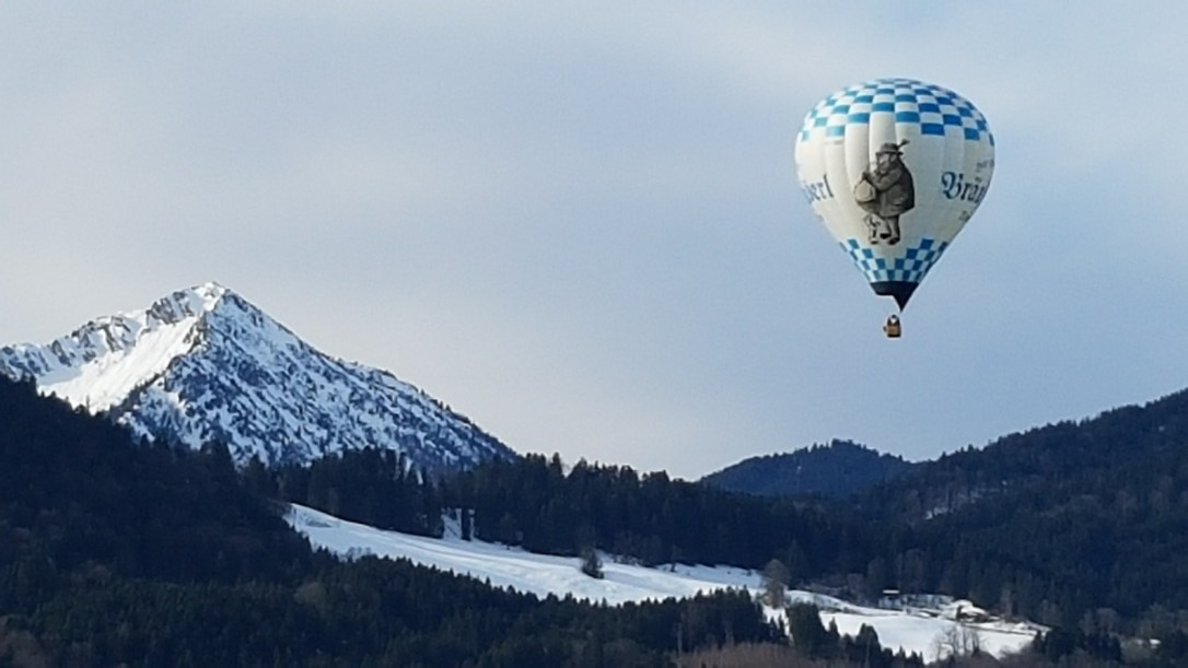 Hot air balloon in Tegernsee copy