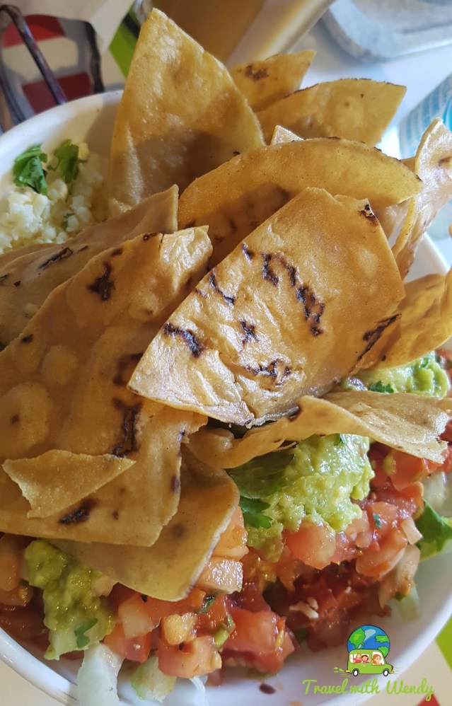 Chips and guacomole