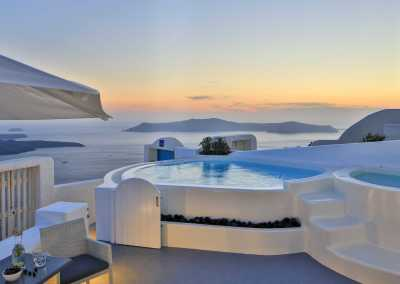 Aqua Vista Hotels Social Media