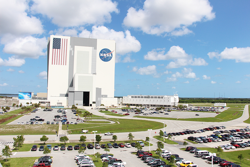 vehicle_assembly_building_vab_nasa_cape_canaveral_travelxena_5