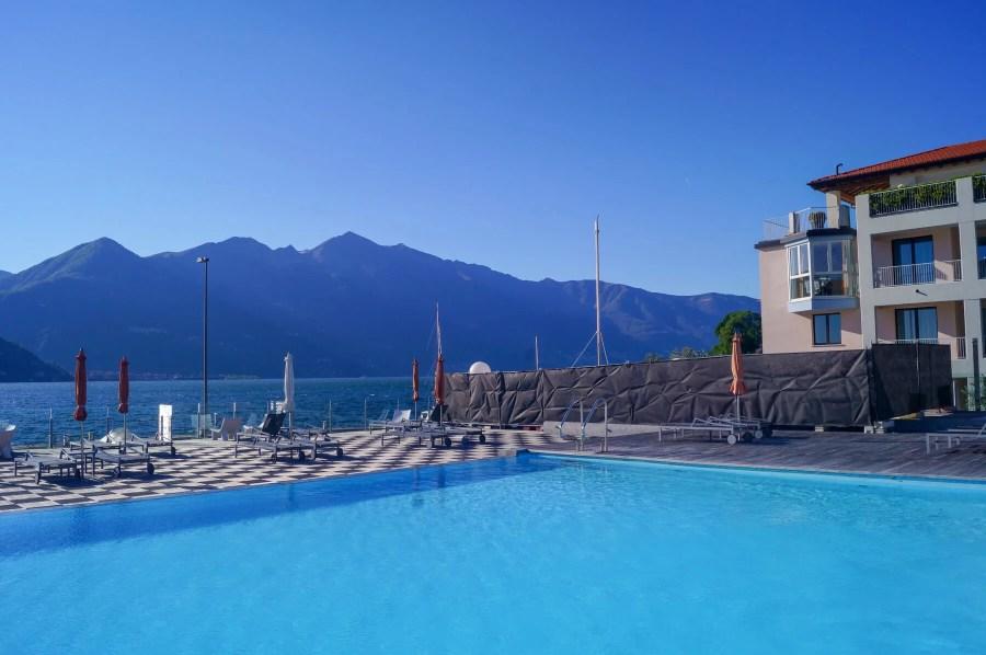 Golfo Gabella Lake Resort swimming pool, lake and mountains