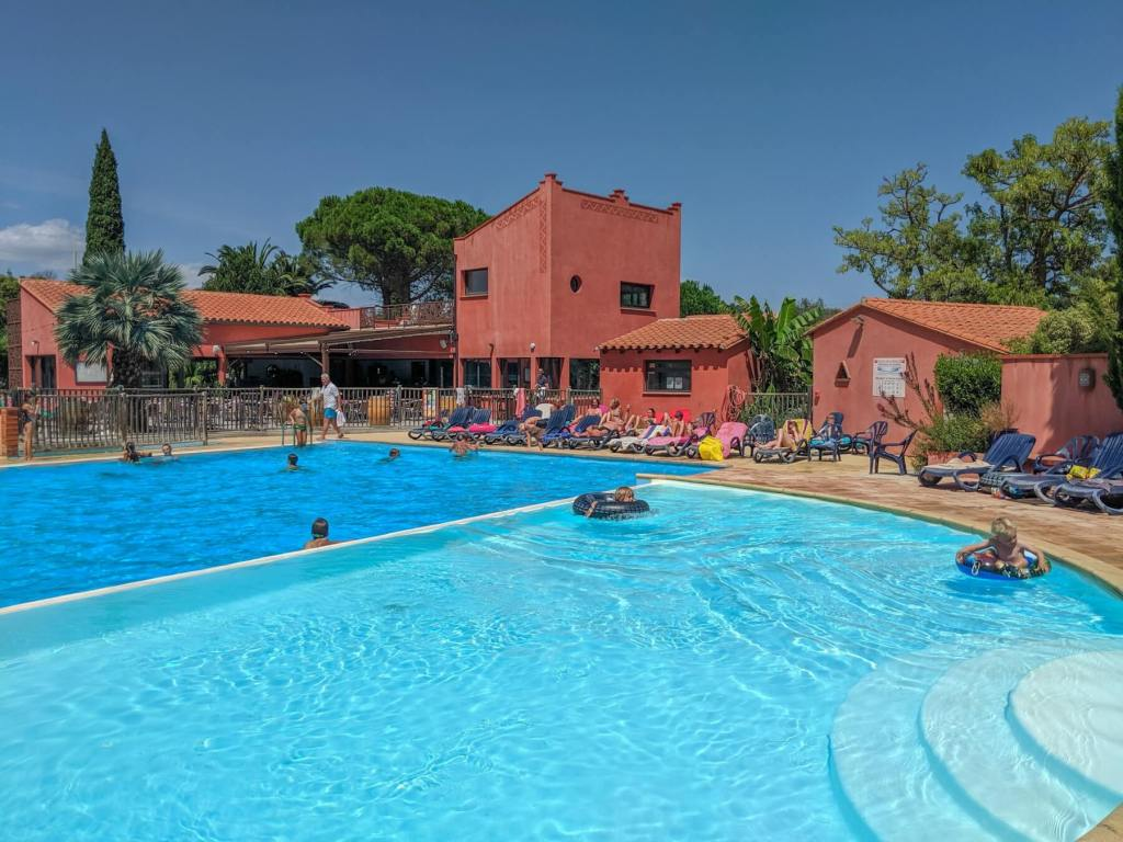 Camping le Haras swimming pool