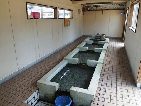 生地の共同洗い場