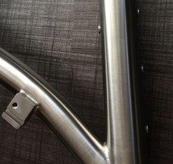 travers-front-mech-hanger-frame
