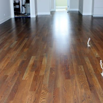 Traverse-City-Hardwood-Floors-White-Oak-Grey-Stain-Randolf-Condo-02