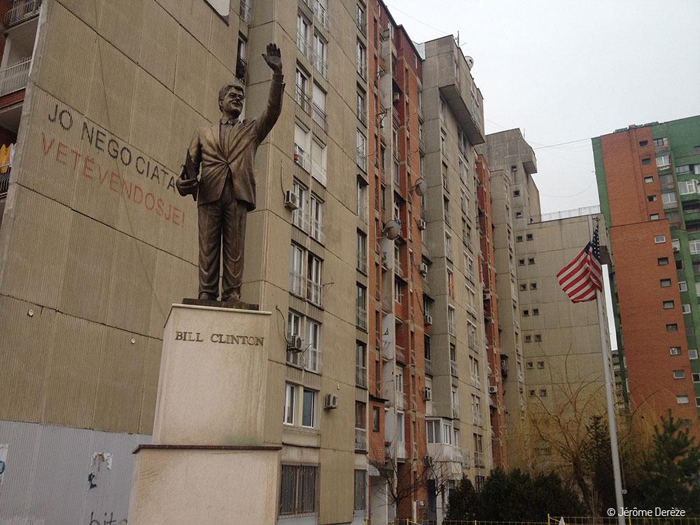 Statue de Bill Clinton au Kosovo