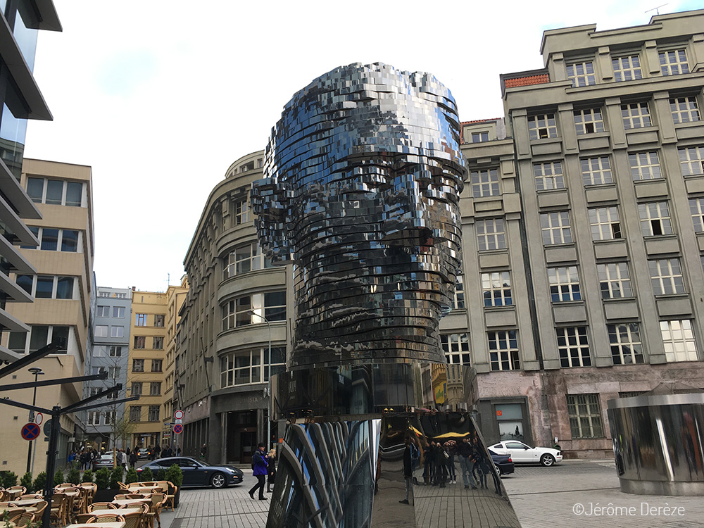 La statue de Franz Kafka à Prague