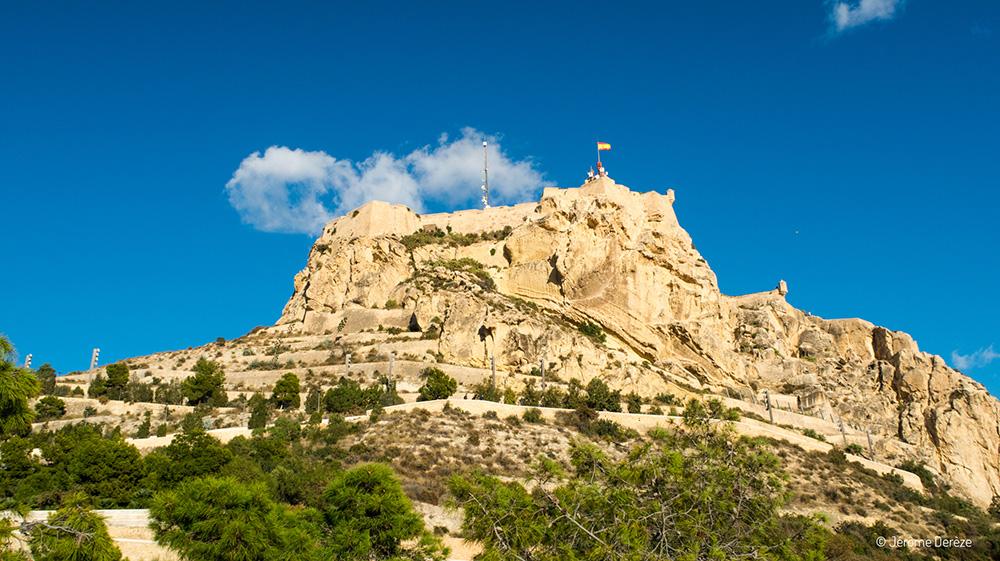 Vue extérieur du Château de Santa Barbara à Alicante