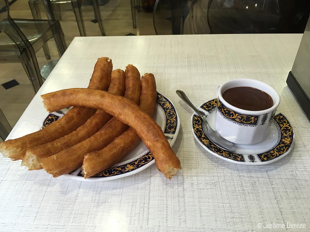 Manger des churros à Grenade en Andalousie