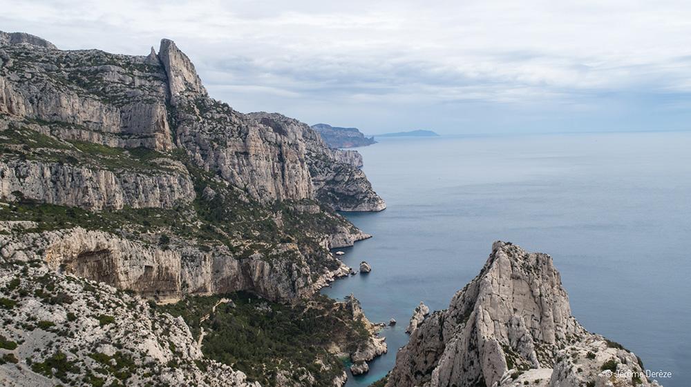 Voyager dans les Calanques de Marseille - Sugiton
