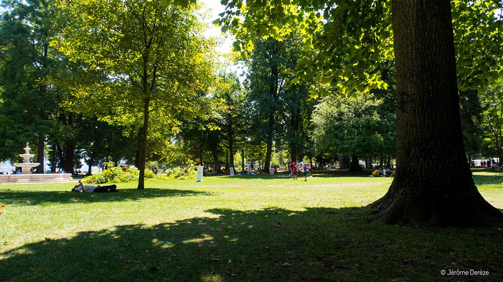 Faire un voyage à Annecy et visiter les jardins
