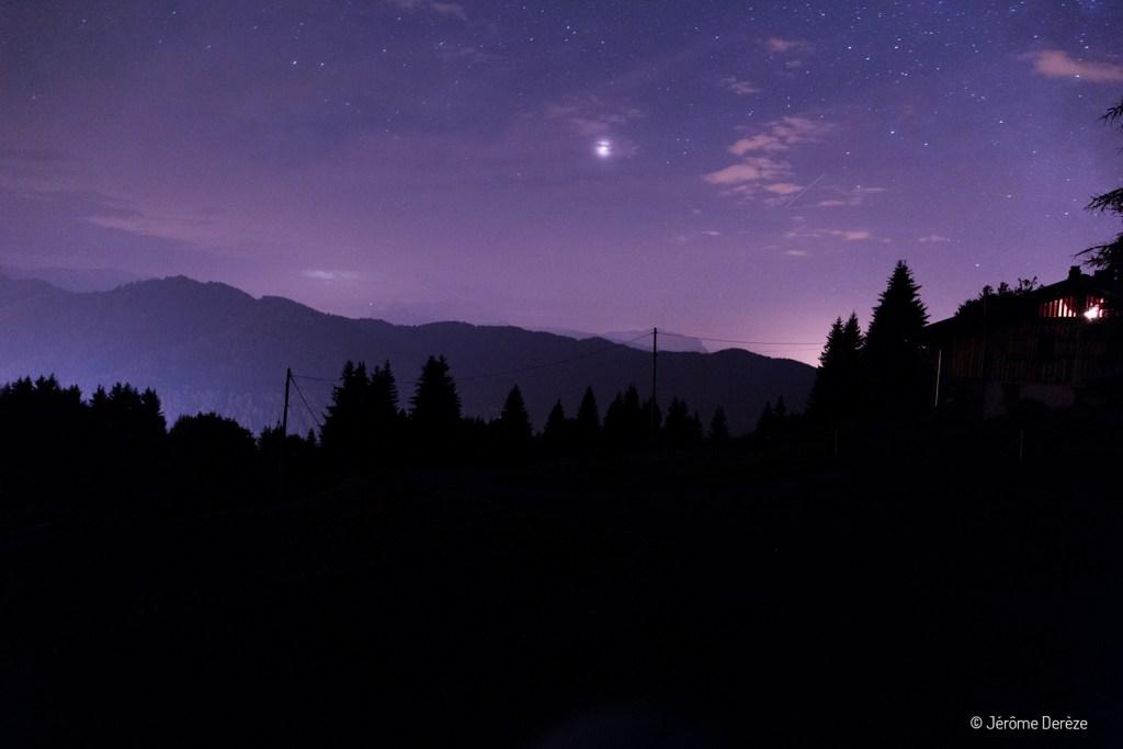 Voyager aux Portes du soleil et regarder Mars la nuit