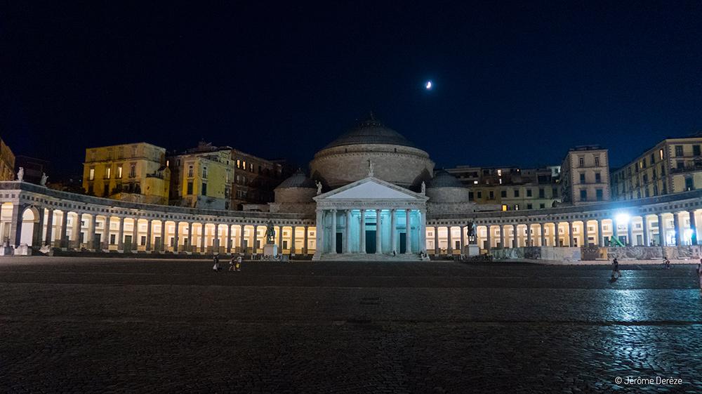 Place à naples - Piazza del Plebiscito