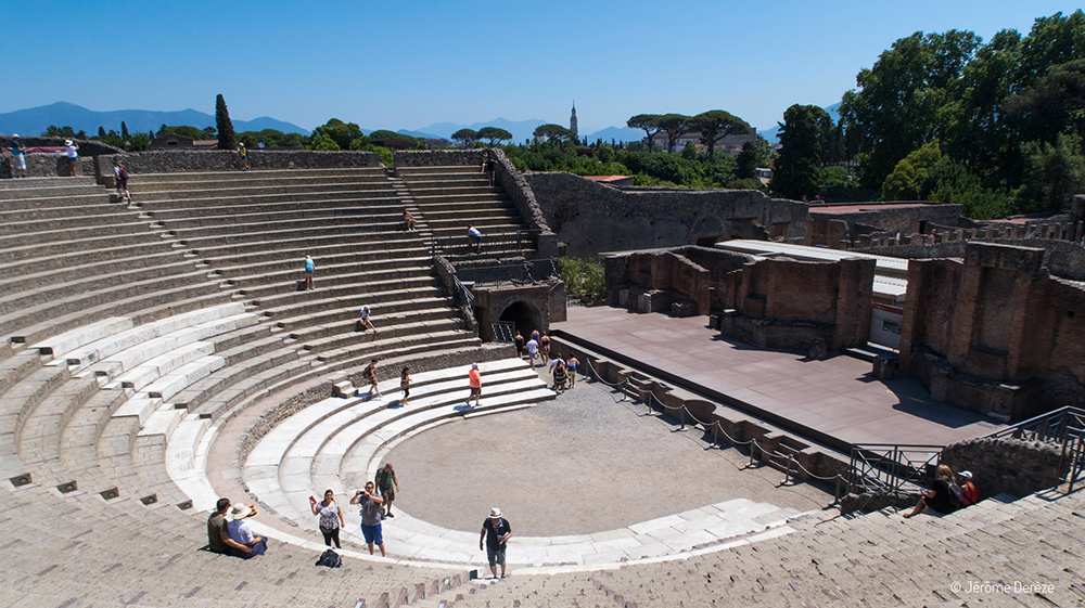grand théâtre à pompéi