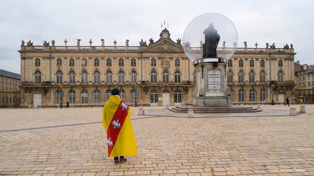 Drapeau lorrain sur la place Stanislas