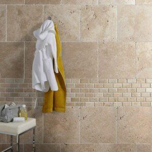 salle de bain en travertin pierre