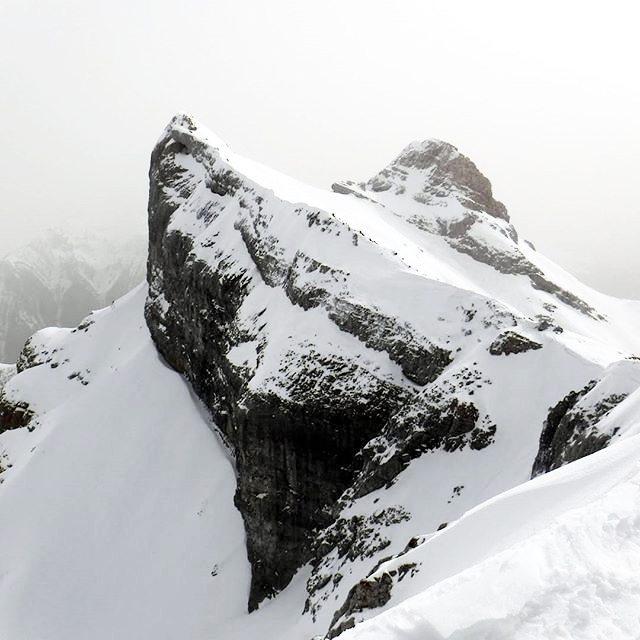 Picos Sombrero y Lecherin || by @gonzabala (Instagram) #travesiapirenaica #Pirineos #Pyrénées #Pyrenees