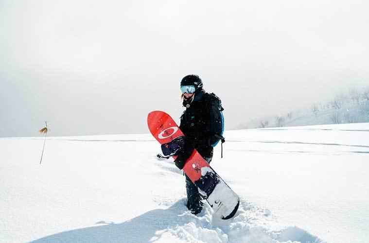 La guía que te ahorrará tiempo para comprar tu equipo de snowboard / Foto: Hamish Duncan
