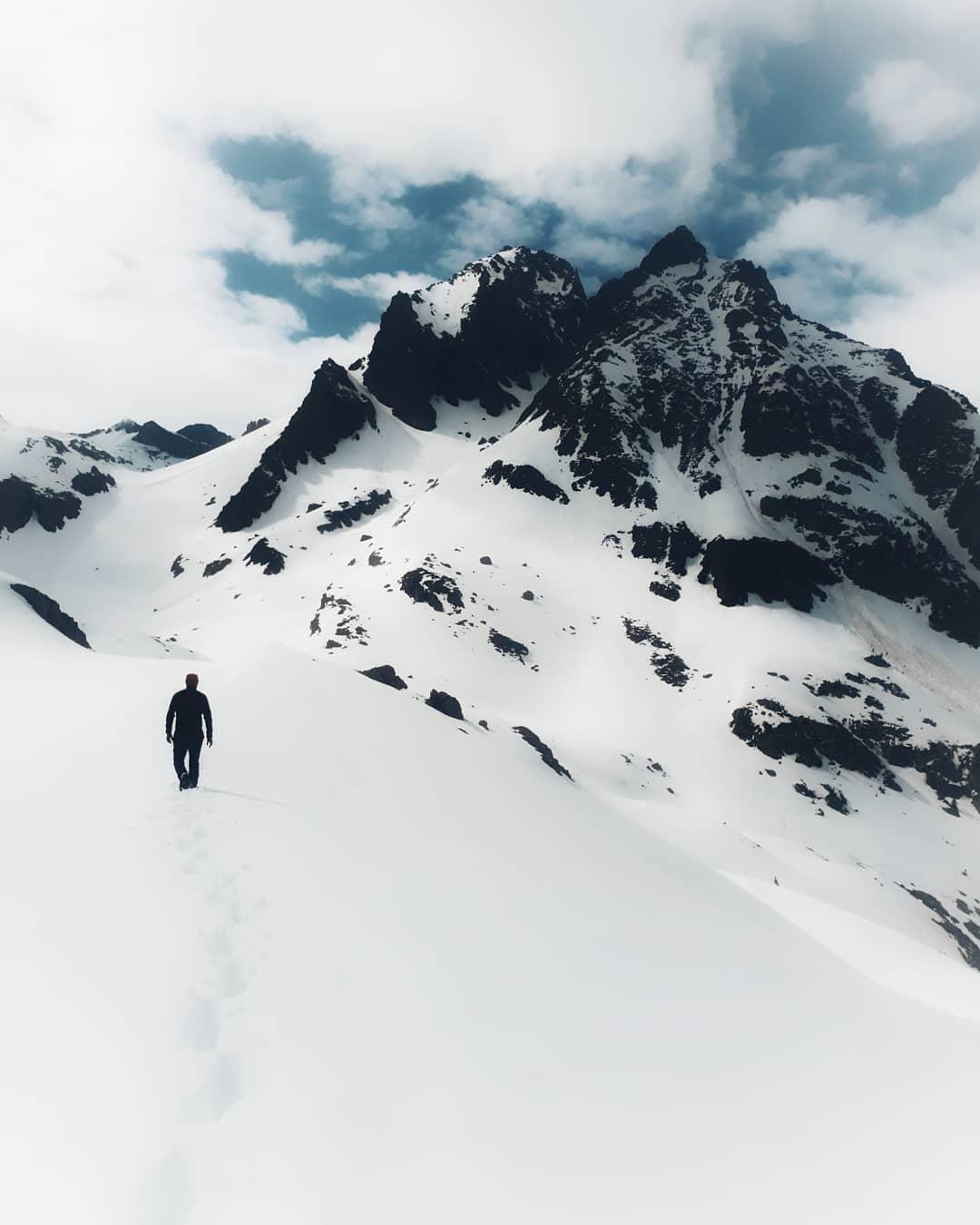 Fotografía montaña Pirineos by @vtor_gn