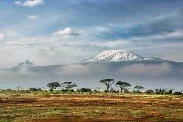 Vista del Kilimanjaro desde el Parque Nacional de Amboseli, Kenia / Foto: Sergey Pesterev(Wikimedia Commons)