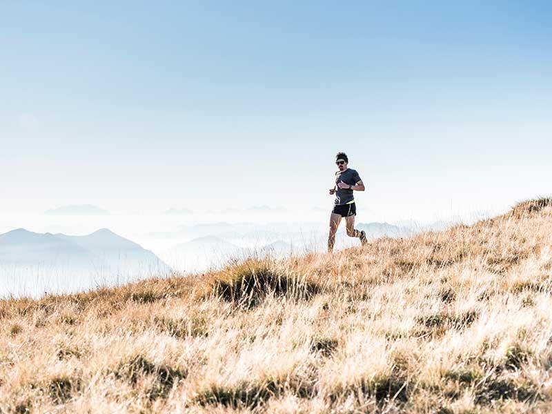 Correr con zapatillas minimalistas / Foto: Asoggetti