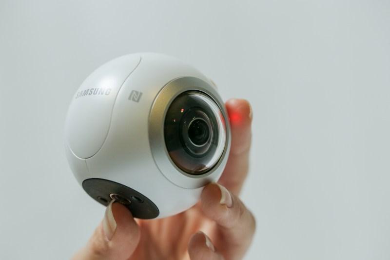 03 Samsung Gear 360