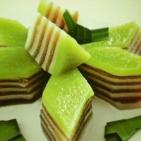 Bánh Da Lợn -   Layer Coconut Pandan Steamed Rice Cake