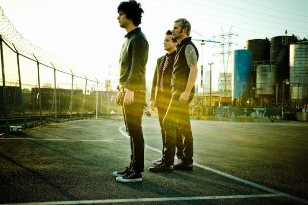 "Green Day ""Stray Heart"" Music Video"