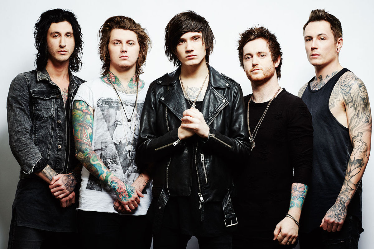 "Asking Alexandria ""Here I Am"" Music Video"