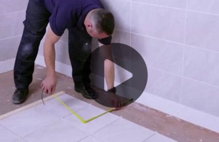 How to replace a damaged tile   Wickes co uk How to tile a bathroom floor