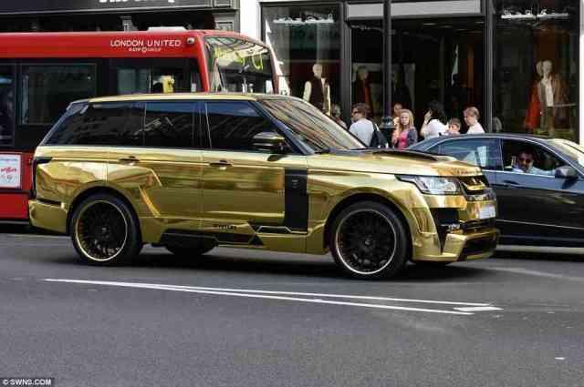 gold car - Hal Gila Ini Hanya Bisa Kamu Temui Di Dubai Yang Akan Membuatmu Melongo