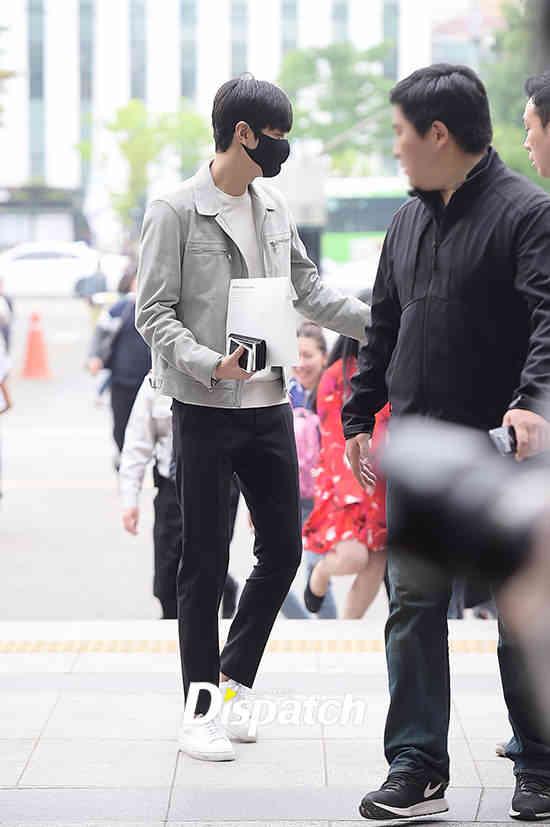 lee min ho 3 - Hari ini, Lee Min Ho Resmi Mulai Wamil Sebagai Petugas Layanan Publik