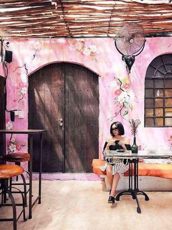 Revolver Espresso 1 - Tempat Nongkrong Unik, Instagramable, Murah & Romantis di Bali yang Cocok buat Kamu dan Pasanganmu