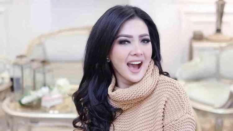 foto syahrini terbaru - Profil lengkap Princess Syahrini