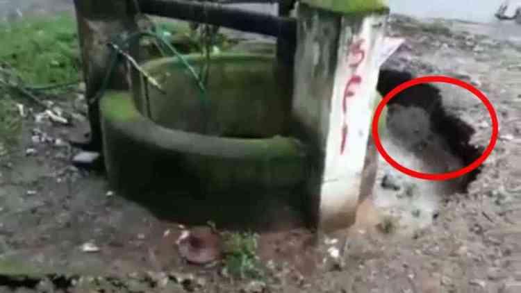 video aneh dan mengjutkan - Mengejutkan!!! Tiba - Tiba Sumur Hilang ke Dalam Tanah