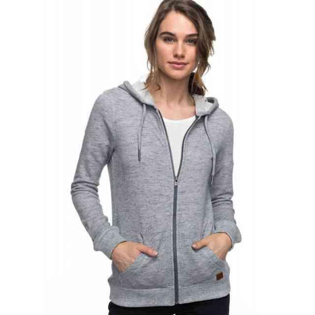 Hoodie 750x750 - Yuk Intip 30 Jenis Pakaian Wanita Terbaru yang bakal Trend 2019