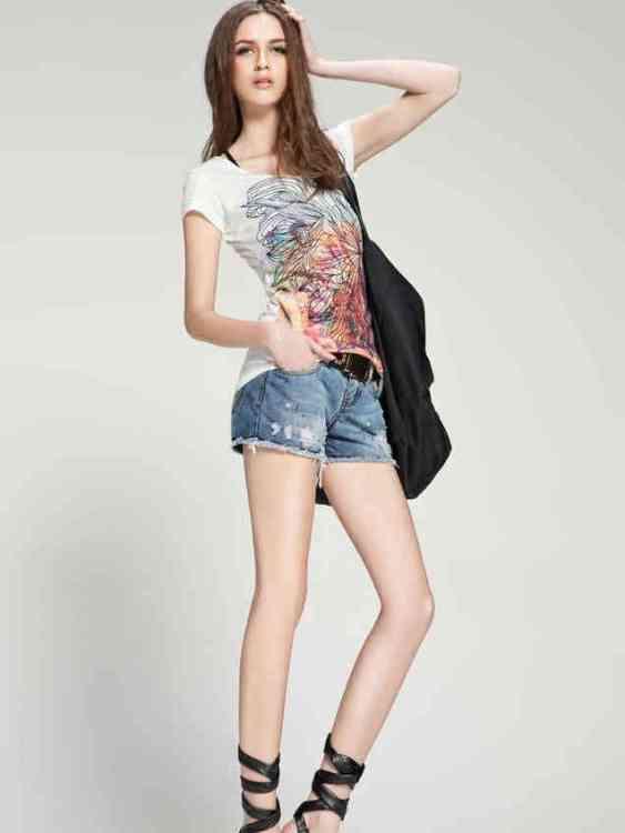 Hotpants 563x750 - Yuk Intip 30 Jenis Pakaian Wanita Terbaru yang bakal Trend 2019