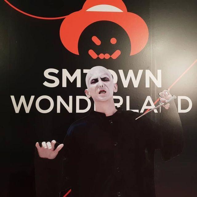 kostum halloween Key Shinee Sebagai Voldemort 1 1 750x750 - Seram & Lucu! Deretan Kostum Halloween Idol KPop Terbaik dan Terbaru