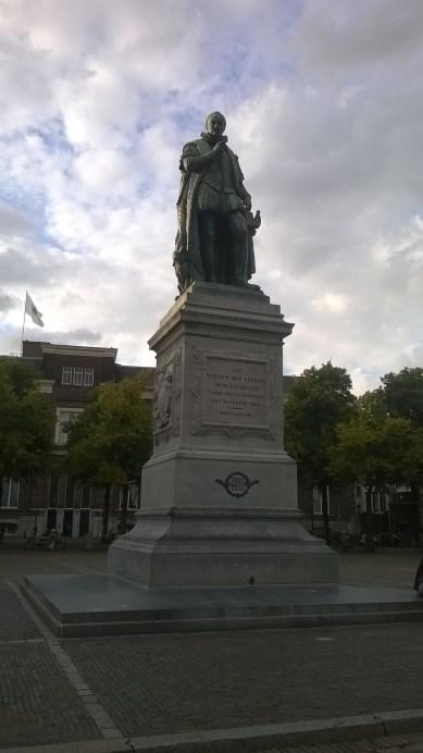 Aan Willem den Eerste. Prins van Oranje. Vader des Vanderlands. Het dankbare volk. #DenHaag | Aug.21