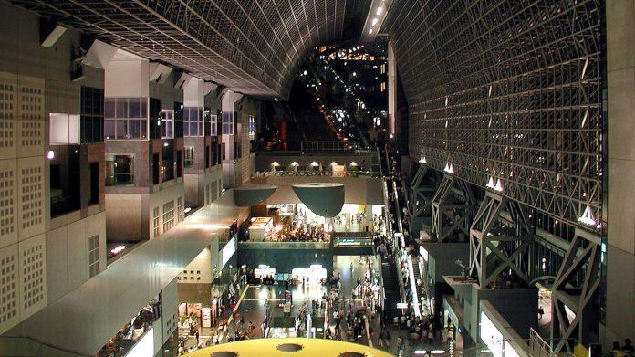 京都車站內觀