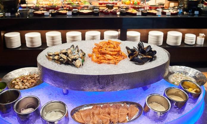 曼谷愛侶灣君悦酒店茶室自助晚餐吃到飽