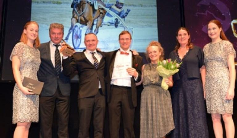 På Hestesportens Gallas hjemmeside finder man en oversigt over samtlige vindere ved Hestesportens Galla 2018.