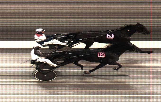 Indvendige Anthony Downs vinder foran Double Spin.,