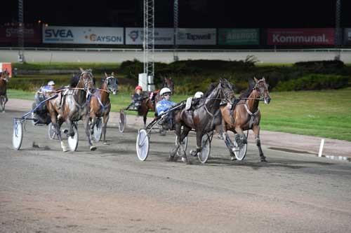 Conlight Ås med Erik Adielsson var hurtigste vinder i 1.13.2a/2640 m Kanal 75
