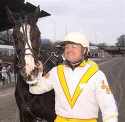 Jan M. Rasmussen har  fortsat sine to startheste i fineste form.