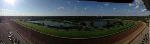 Kig ud over Fort Erie-banen fra speaker-boksen!