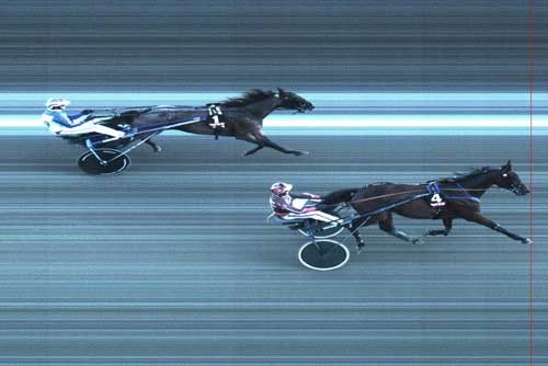 Phantom KD med Gaunnar Austevoll speeder let forbi førende Cayenne Advance til sej ri ny rekord 1.13.1a/1609 m.