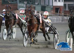 Stald and Deliver med Birger Jørgensen vandt i fine 1.13.0 på Lunden søndag eftermiddag.