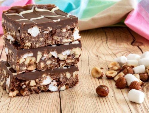 Chocolate traybake with hazelnuts and marshmallow